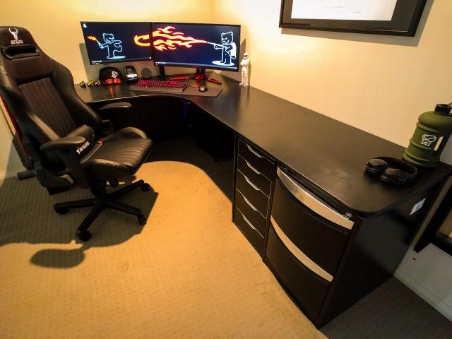 PC_Desk_131_38.jpg