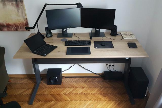 PC_Desk_131_42.jpg