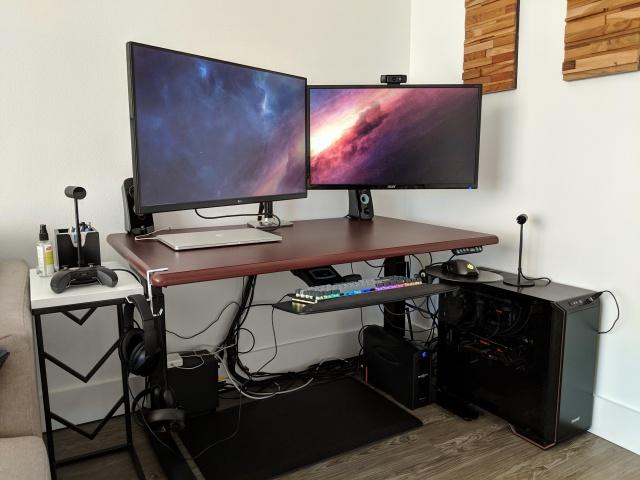 PC_Desk_131_55.jpg