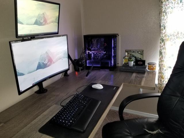 PC_Desk_131_68.jpg