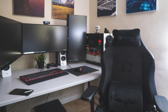 PC_Desk_131_69.jpg