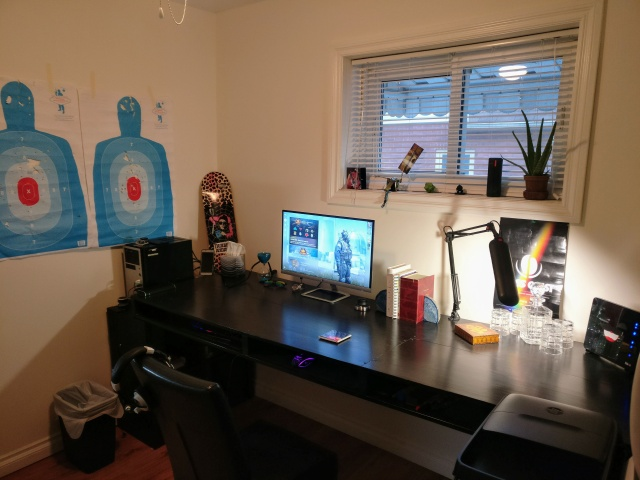 PC_Desk_131_75.jpg
