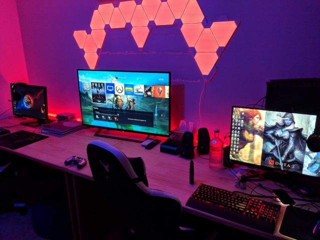 PC_Desk_131_81.jpg