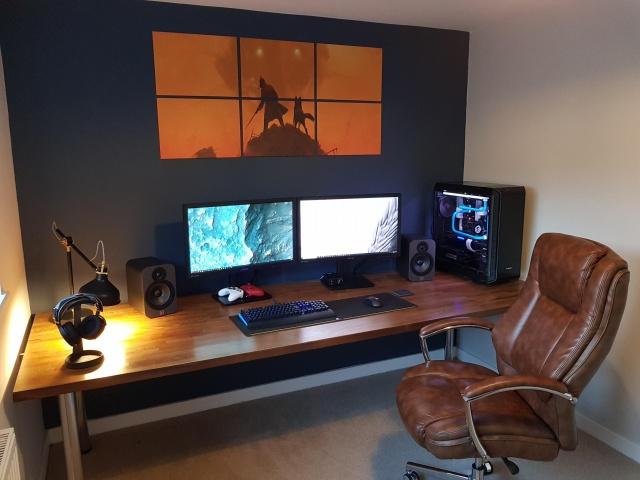 PC_Desk_131_99.jpg