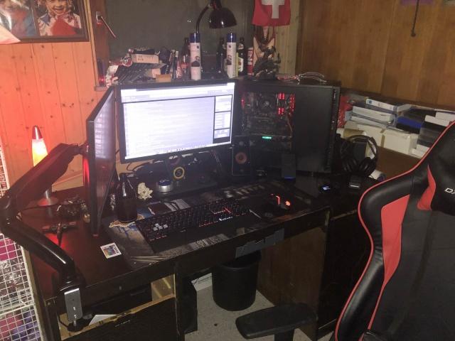 PC_Desk_132_10.jpg
