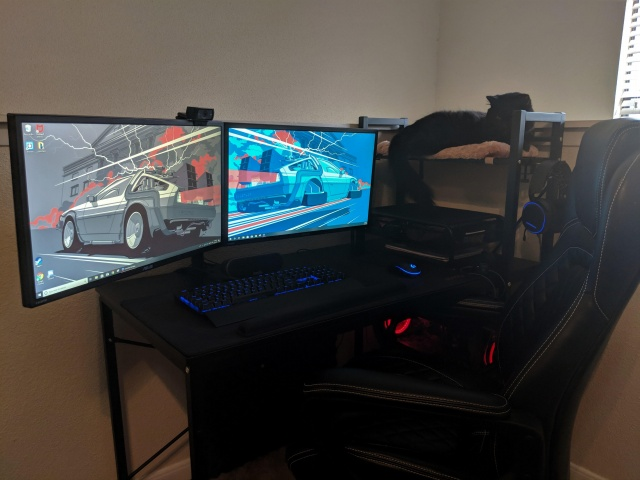 PC_Desk_132_23.jpg