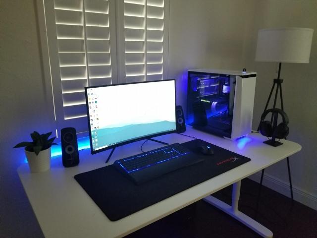 PC_Desk_132_56.jpg