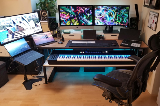 PC_Desk_132_59.jpg