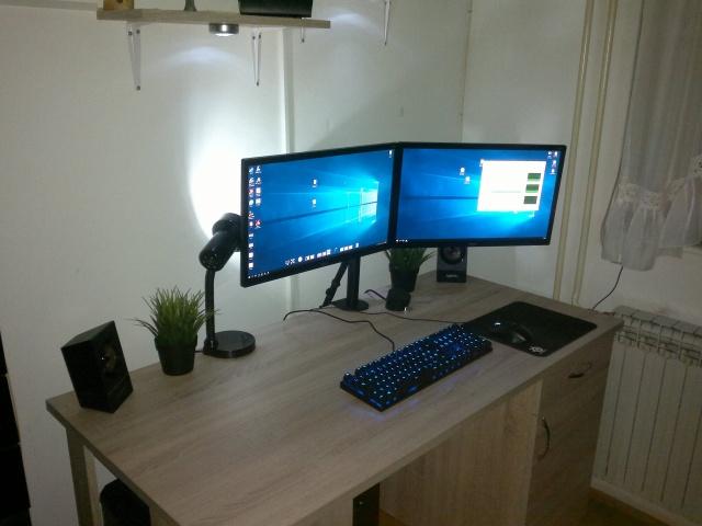 PC_Desk_132_66.jpg