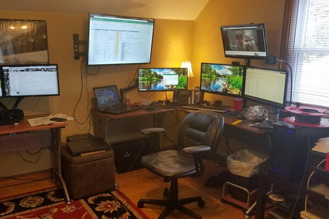 PC_Desk_132_78.jpg