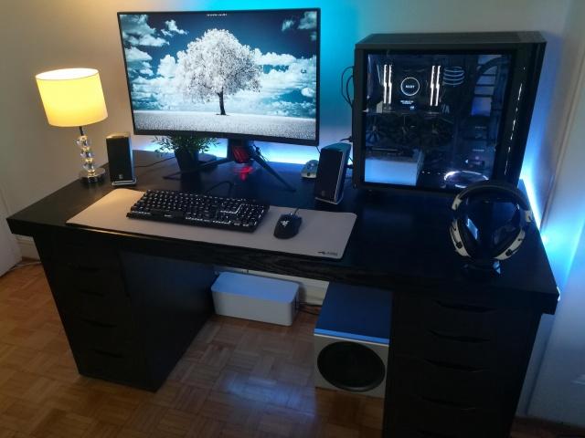 PC_Desk_133_23.jpg