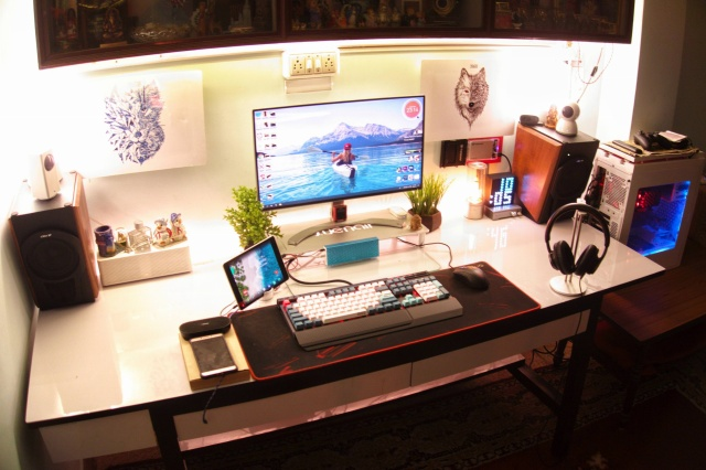 PC_Desk_133_24.jpg