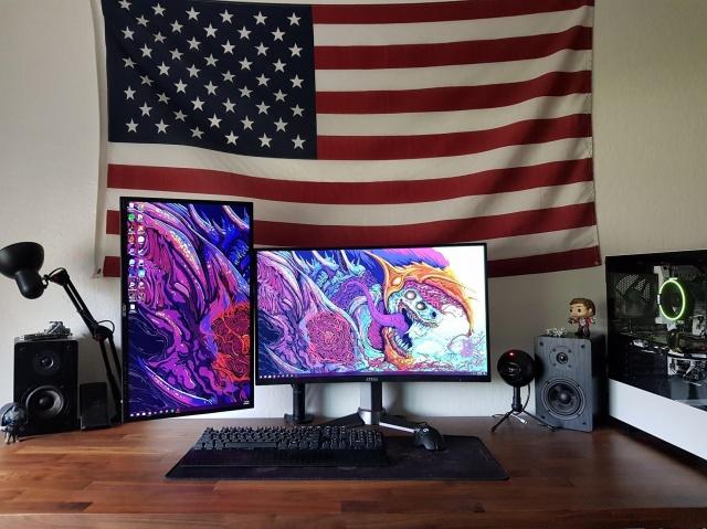 PC_Desk_133_36.jpg