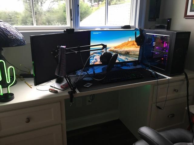 PC_Desk_133_39.jpg