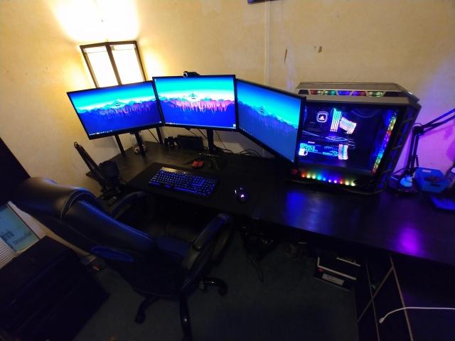 PC_Desk_133_42.jpg