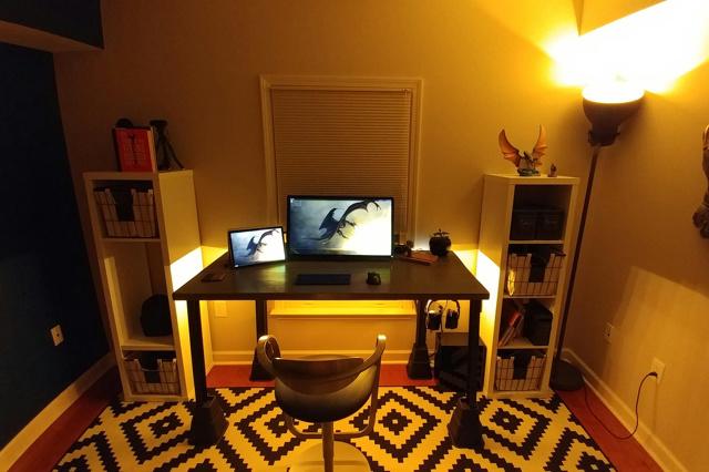 PC_Desk_133_53.jpg