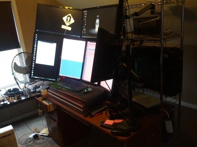 PC_Desk_133_61.jpg