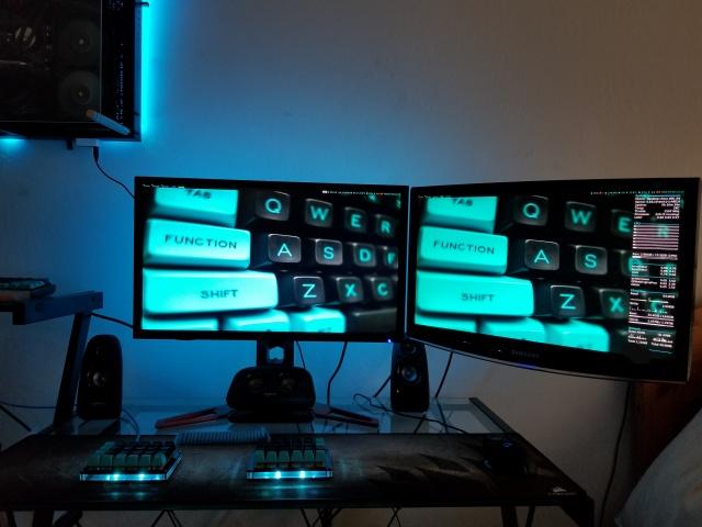 PC_Desk_133_63.jpg