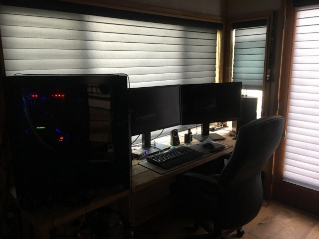 PC_Desk_133_65.jpg