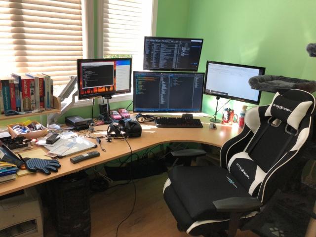 PC_Desk_133_72.jpg