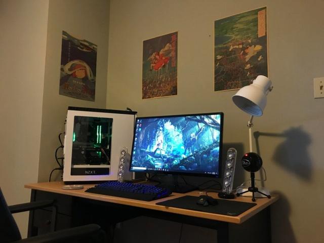 PC_Desk_133_82.jpg