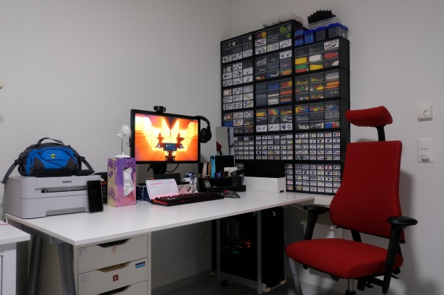PC_Desk_133_92.jpg