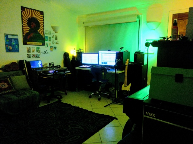 PC_Desk_133_99.jpg