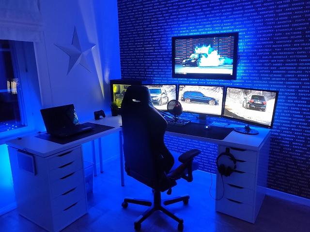 PC_Desk_134_01.jpg