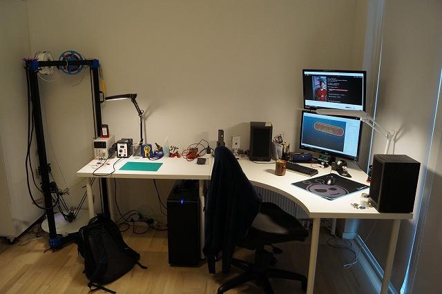 PC_Desk_134_13.jpg