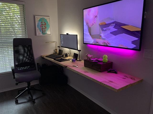 PC_Desk_134_16.jpg