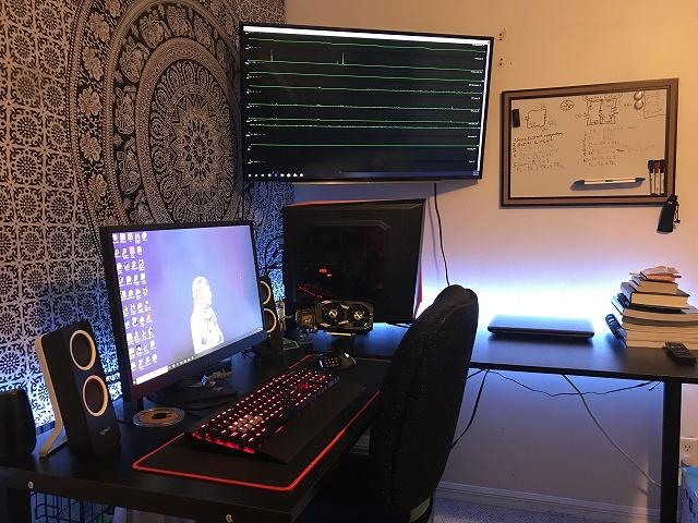 PC_Desk_134_21.jpg