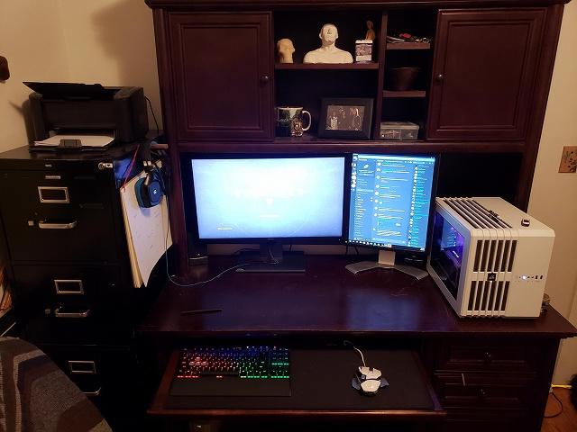 PC_Desk_134_22.jpg