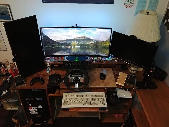 PC_Desk_134_24.jpg