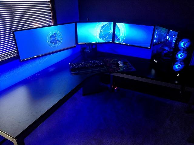 PC_Desk_134_27.jpg