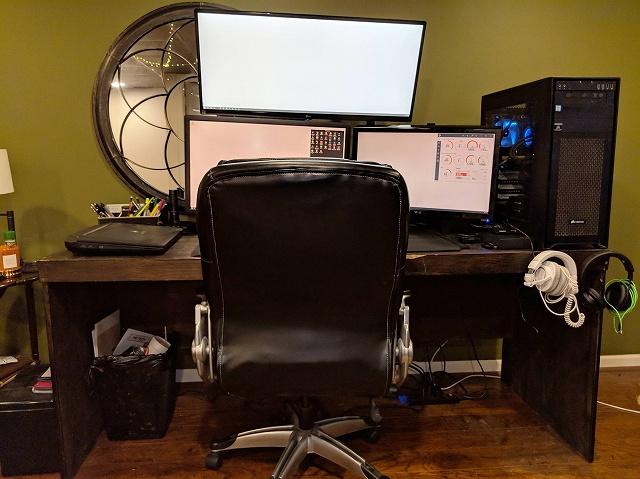 PC_Desk_134_47.jpg