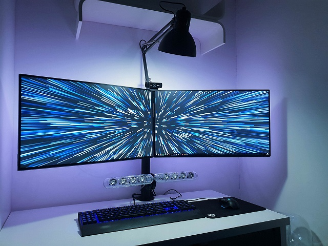 PC_Desk_134_53.jpg