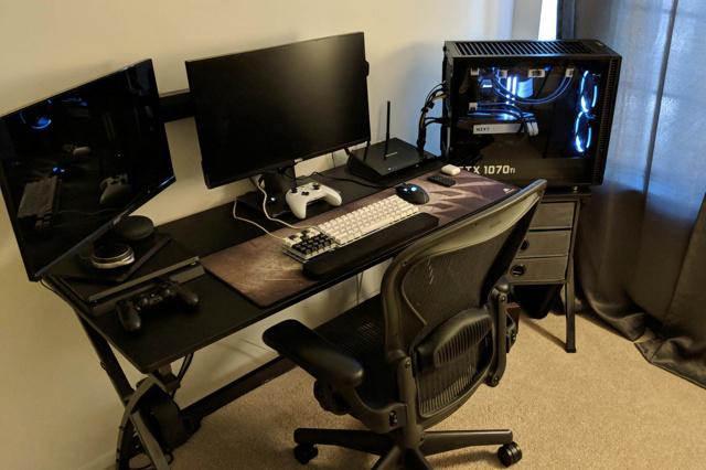 PC_Desk_134_65.jpg