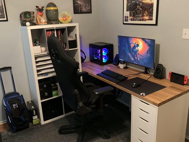 PC_Desk_134_69.jpg