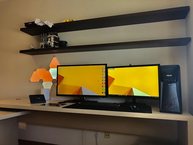 PC_Desk_134_99.jpg