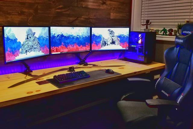 PC_Desk_135_06.jpg