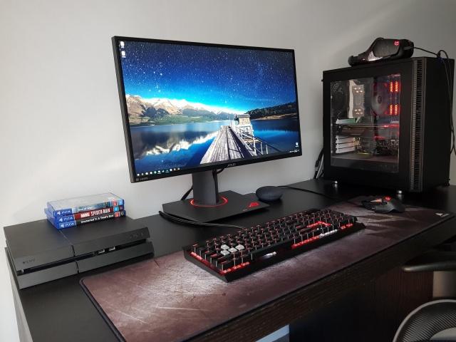 PC_Desk_135_14.jpg
