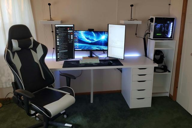 PC_Desk_135_31.jpg