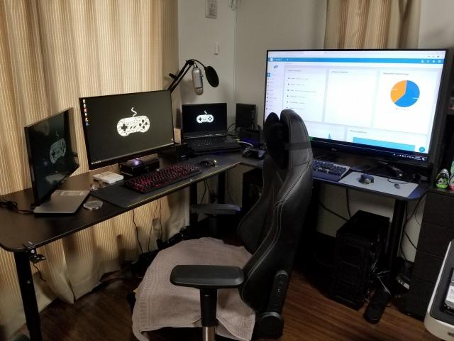 PC_Desk_135_32.jpg