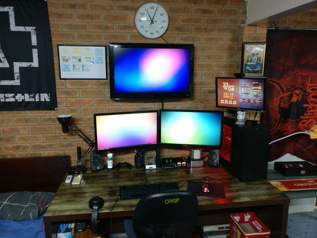 PC_Desk_135_54.jpg