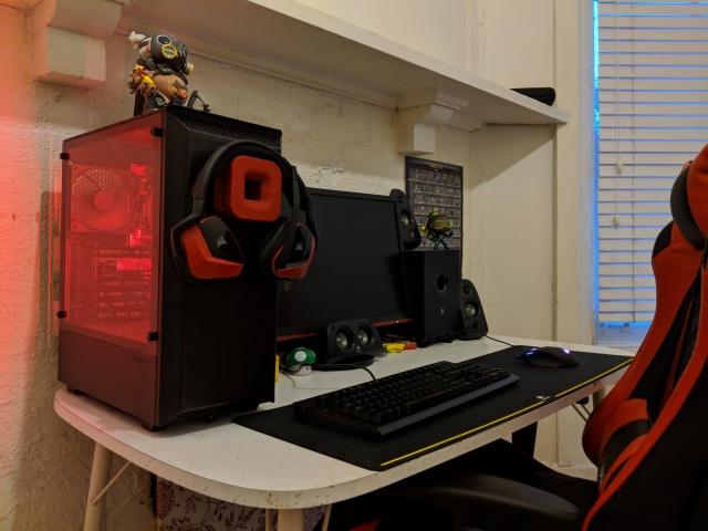 PC_Desk_135_85.jpg