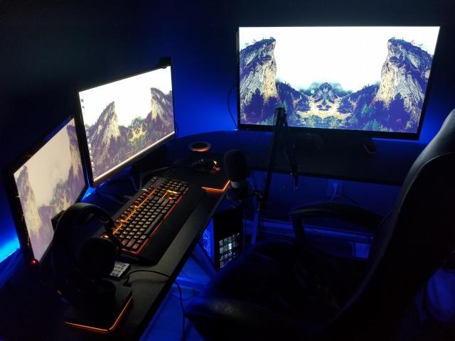 PC_Desk_135_93.jpg