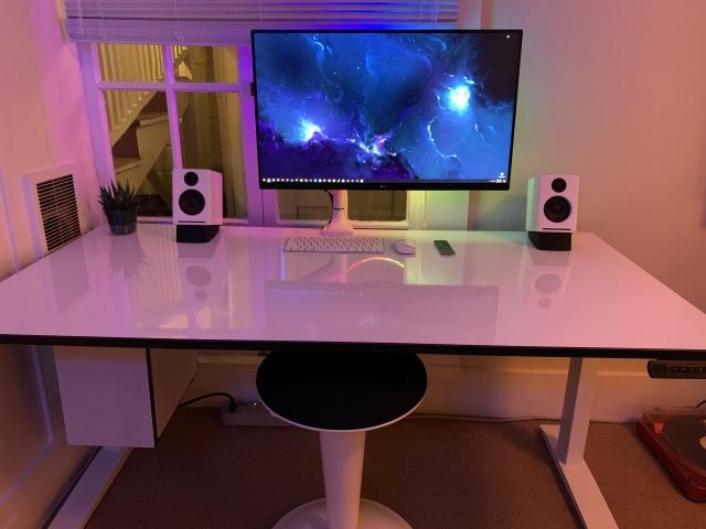 PC_Desk_136_03.jpg