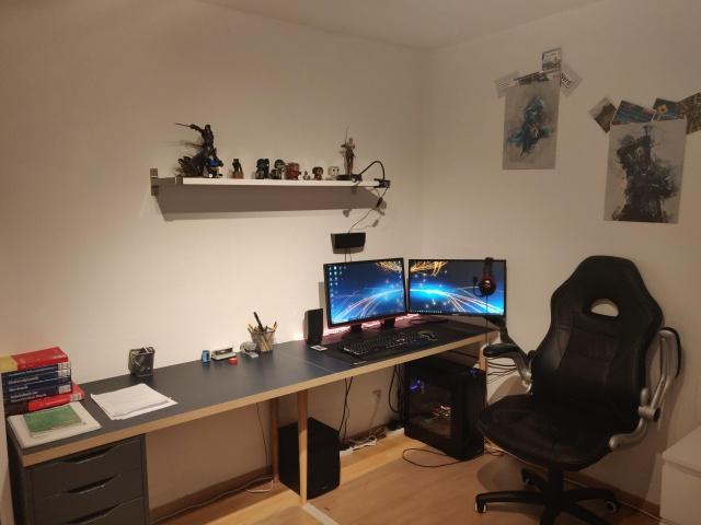 PC_Desk_136_10.jpg