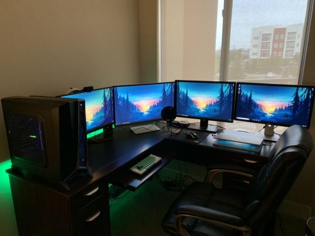 PC_Desk_136_14.jpg