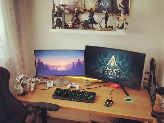 PC_Desk_136_19.jpg